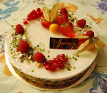Gâteau aux fruits rouges et chocolat blanc